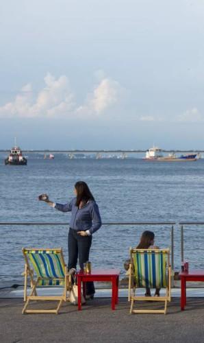 Vista para a Baía de Guanabara atraiu o público Foto: Leo Martins / Agência O Globo