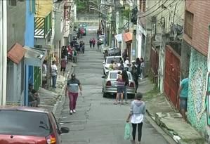 Rua onde adolescente foi morta por ladrões que queriam levar o tênis dela, em Sapopemba Foto: Reprodução TV