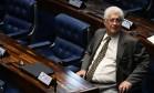 Senador Roberto Requião (PMDB-PR) aceitor ser o relator de projeto sobre abuso de autoridade Foto: Ailton de Freitas / Agência O Globo 08/11/2016