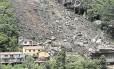 Tragédia. O deslizamento que matou duas pessoas no Quitandinha: área é considerada perigosa