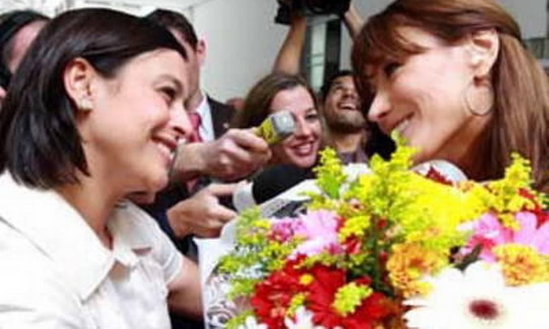 Adriana Ancelmo recebeu Carla Bruni na visita do ex-presidente da França Nicolas Sarcozy ao Brasil Foto: Divulgação