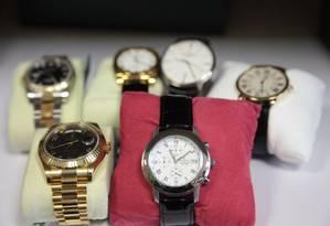Relógios importados estão entre os objetos apreendidos pela Polícia Federal Foto: Divulgação