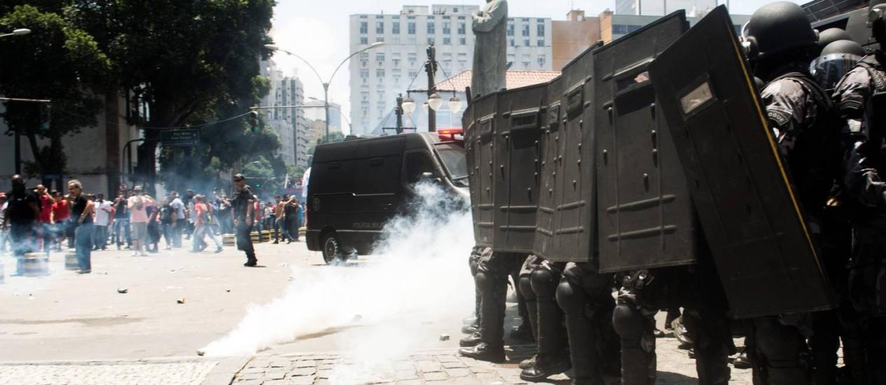 Tropa do Batalhão de Choque é alvo de críticas Foto: Parceiro / Agência O Globo