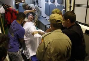 O ex-governador Antony Garotinho é transferido do hospital municipal Souza Aguiar para o presidio em Bangu Foto: Alexandre Cassiano / Agência O Globo