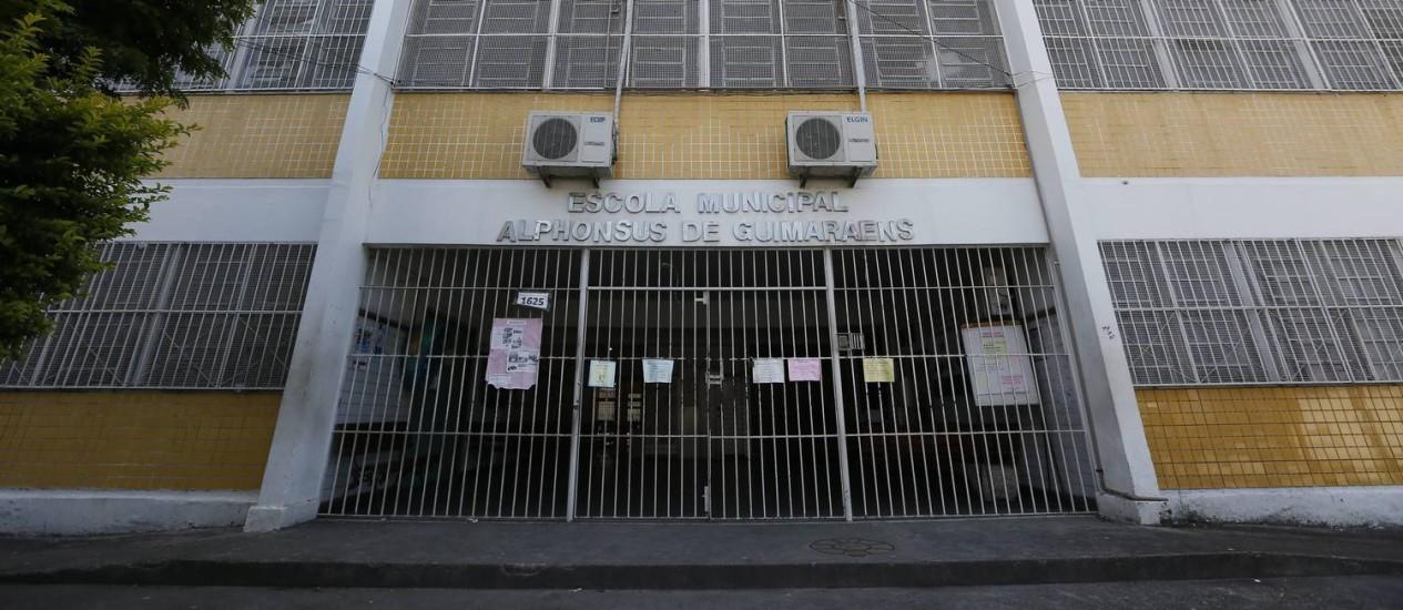 Escola fechada na Cidade de Deus Foto: Pablo Jacob / Agência O Globo