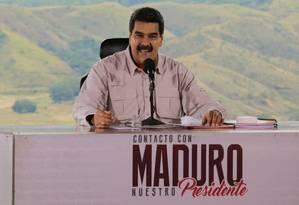 """Presidente Nicolás Maduro durante a exibição de seu programa semanal """"Em contato com Maduro"""" Foto: HANDOUT / REUTERS"""