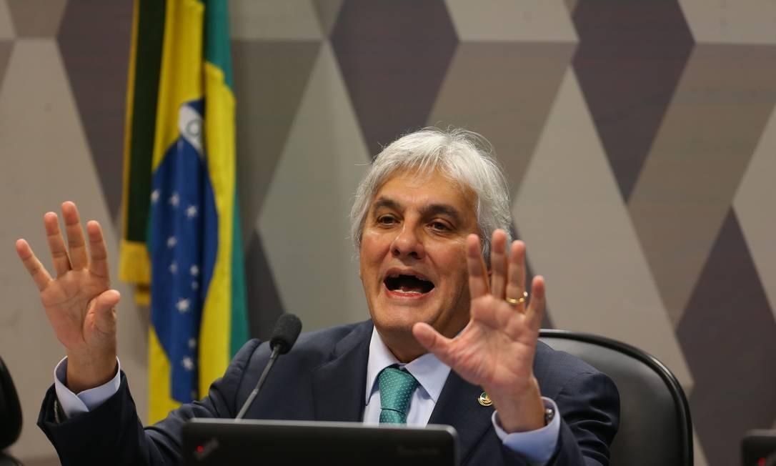 O ex-senador Delcidio Amaral na Comissão de Constituição e Justiça (CCJ) do Senado Foto: Ailton Freitas / Agência O Globo / Arquivo / 09/05/2016