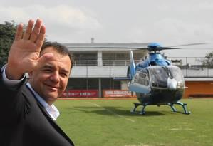 Justiça reabre processo que apura uso de helicóptero oficial por Cabral Foto: Marcelo Carnaval/ Agência O Globo - 05/08/2010