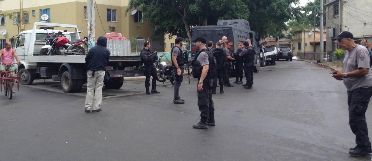 Resultado de imagem para Polícia Civil faz megaoperação na Cidade de Deus, no Rio
