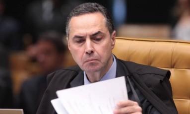 Para o ministro do STF Luís Roberto Barroso, atribuição sobre multas do mensalão deve ficar com a PGR Foto: André Coelho / Agência O Globo