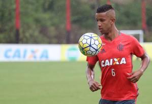O lateral-esquerdo Jorge Foto: Gilvan de Souza/Flamengo