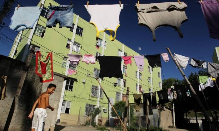 O conjunto habitacional da Cidade de Deus foi construído na década de 60 e serviu para abrigar atingidos por enchente Foto: Márcia Foletto em 19/04/2011 / Agência O Globo