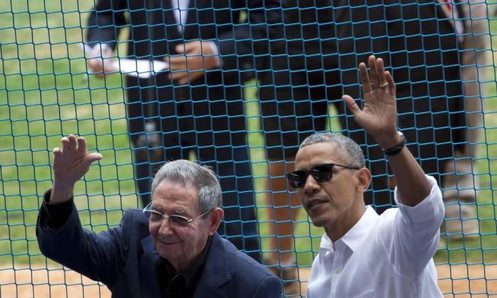 Em março deste ano, os presidentes de Cuba, Raúl Castro, e dos EUA, Barack Obama, assistiram juntos a uma partida de beisebol em Havana Foto: Rebecca Blackwell / AP
