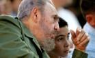 Fidel e Elián conversam durante ato público em 2005 Foto: CLAUDIA DAUT / REUTERS