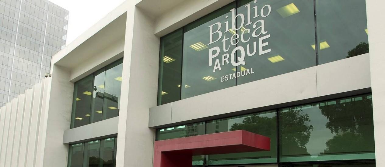 Incerteza. A Biblioteca Parque do Centro: o projeto, que tem outras três unidades, recebeu socorro dos municípios do Rio e de Niterói Foto: Gabriel de Paiva / O Globo