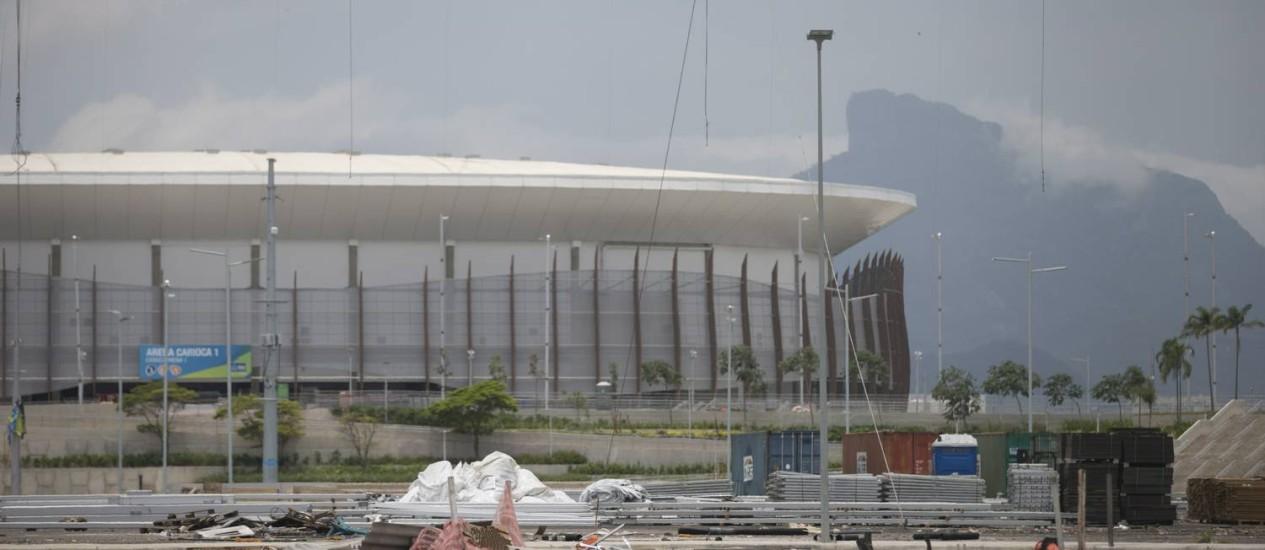 As estruturas provisórias já foram desmontadas, e as arenas aguardam a demolição Foto: Márcia Foletto / Agência O Globo