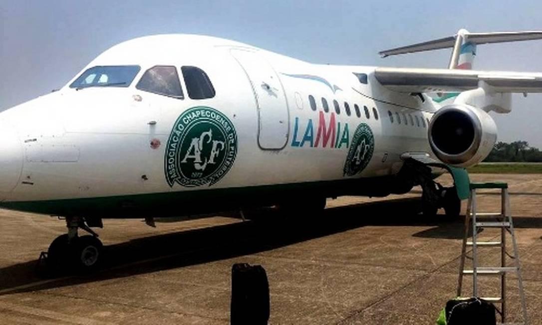 O avião da LaMia com o símbolo da Chapecoense Reprodução