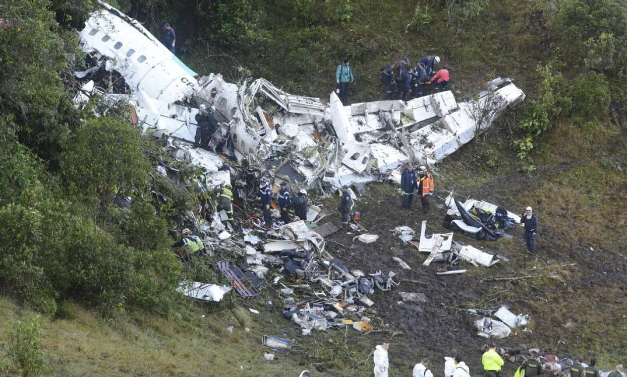 O piloto da LaMia, atendendo aos padrões, descartou o combustível antes do procedimento, evitando a explosão Foto: Luis Benavides / AP