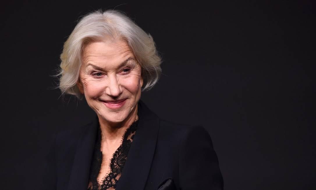 """""""O calendário desse ano esta ajudando a educar os olhos para a beleza. E isso é maravilhoso"""", disse Helen Mirren no lançamento Foto: ERIC FEFERBERG / AFP"""