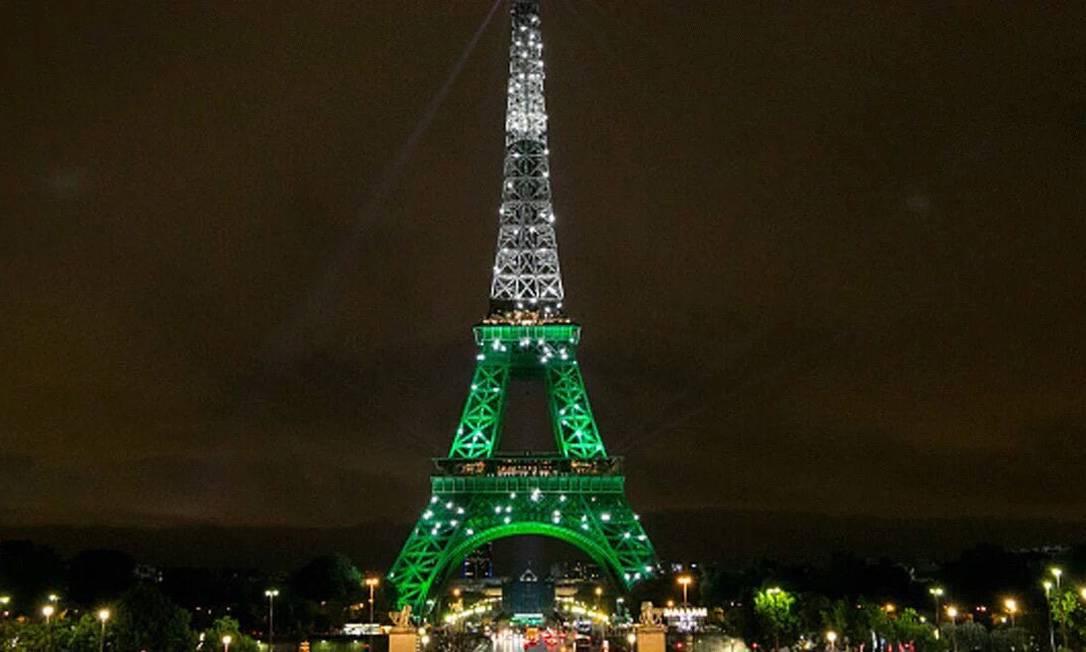 Torre Eiffel, em Paris Reprodução / Twitter