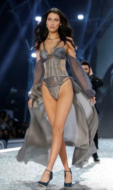 A modelo Bella Hadid CHARLES PLATIAU / REUTERS
