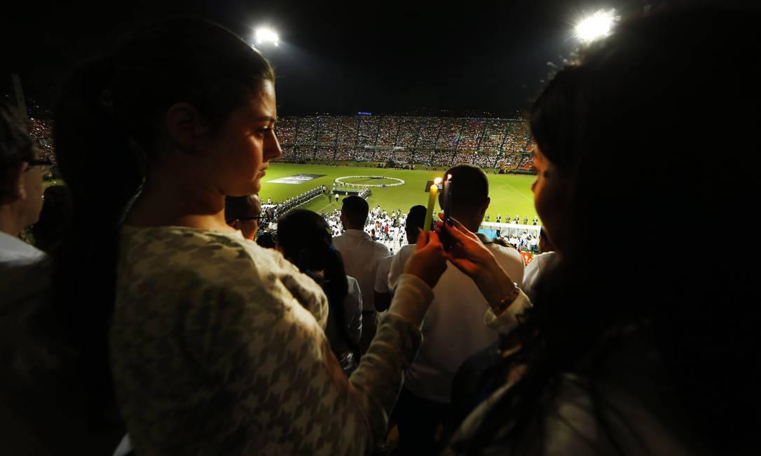 Minuto de silêncio no Estádio Atanasio Girardot Antonio Scorza / Agência O Globo