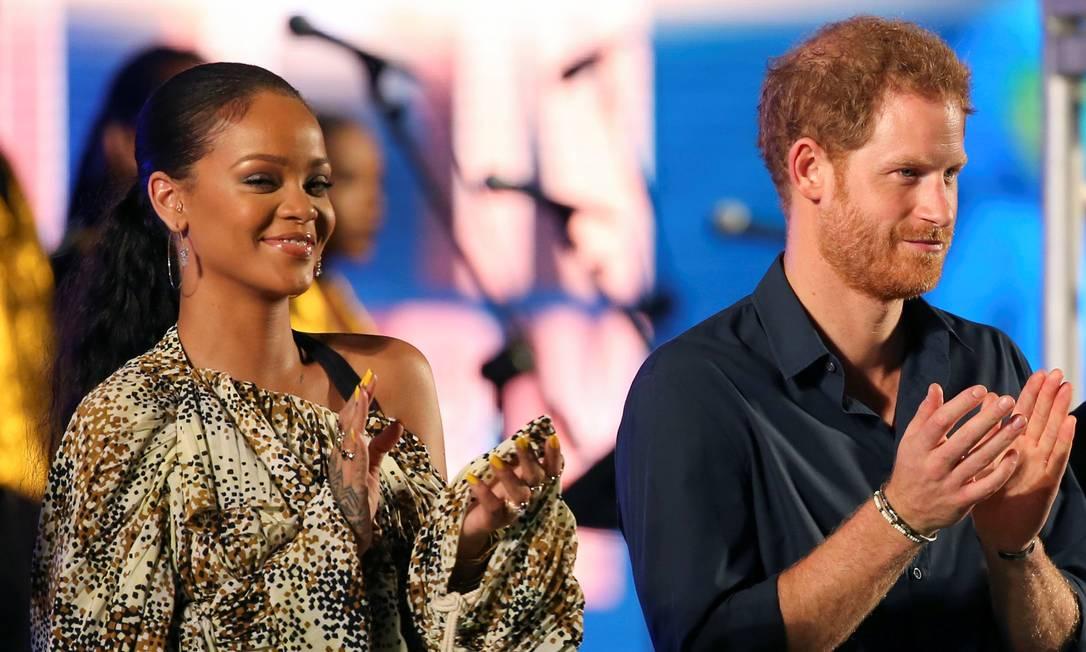 Harry e Rihanna compareceram a um evento para celebrar o 50º aniversário de independência de Barbados ADREES LATIF / REUTERS