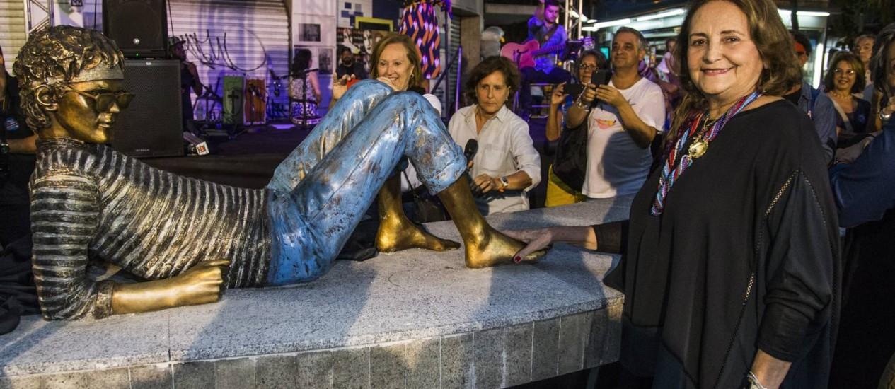 Inauguração da estátua em homeagem a Cazuza. Na foto, Lucinha Araújo, mãe do cantor e compositor Foto: Guito Moreto / Agência O Globo