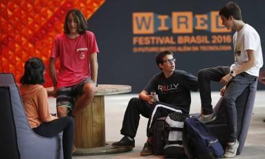 Os amigos Vitoria Dethlem, Pedro Nolasco Daniel Odeh e Guilherme Carvalho no evento Foto: Andre Mourão