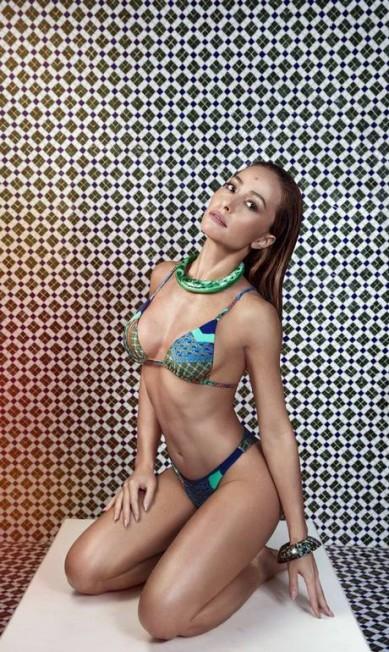 Nas modelagens, cabas, cropped e o modelo cortininha Eduardo Rezende