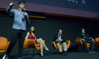 Marcelo Adnet comanda a apresentação das principais séries da Globo Foto: André Conti / Divulgação