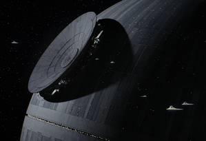 Rebeldes tentam impedir a construção da Estrela da Morte em 'Rogue one — Uma história Star Wars' Foto: Divulgação/Lucasfilm