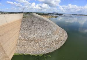Açude Castanhão: reservatório que abastece municípios da Região Metropolitana de Fortaleza opera com apenas 5,3% de sua capacidade Foto: Fabio Lima/O POVO