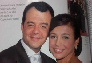 Rotina de luxo. Cabral e Adriana se casaram no Copacabana Palace, em festa descrita como 'nababesca' por um dos convidados Foto: Reprodução da revista