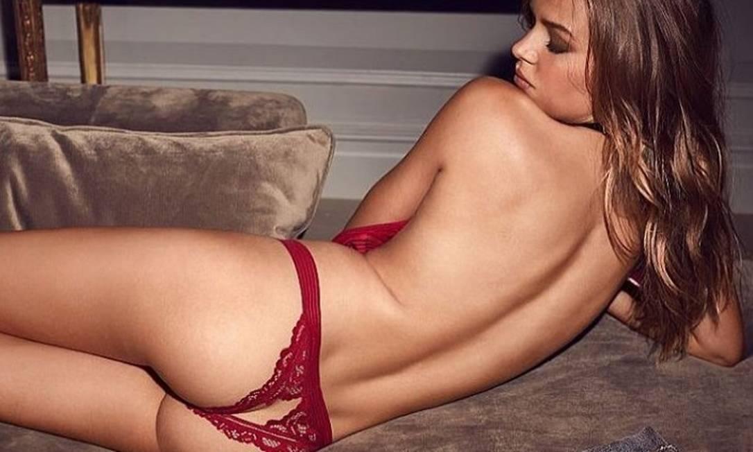 Depois do desfile de Paris, na quarta-feira, as angels da Victoria's Secret voltaram com tudo. Mais sensuais do que nunca, elas posaram com ligeries com recortes inusitados para novo ensaio da marca. Na foto, a dinamarquesa Josephine Skriver Divulgação
