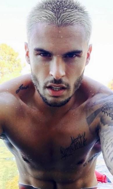 Mais um selfie de Baptiste Giabiconi Reprodução/ Instagram