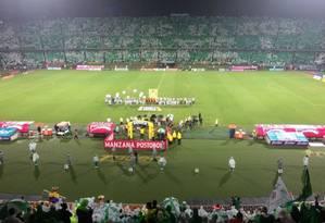 O mosaico feito pela torcida do Atlético Nacional com a frase