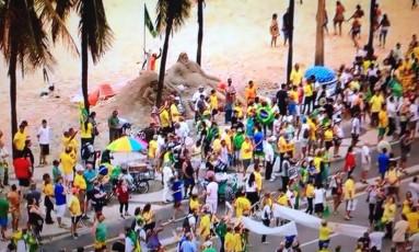 Ato em Copacabana em defesa da Operação Lava-Jato e contra as alterações no pacote anticorrupção Foto: Reprodução TV Globo