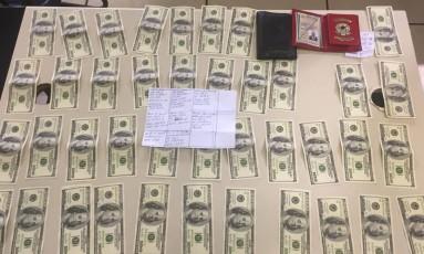 Dólares falsos apreendidos Foto: Divulgação