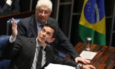 Requião muda parecer e acata parte da emenda Moro no projeto de abuso de autoridade Foto: Ailton de Freitas / Agência O Globo 01/ 12/ 2016
