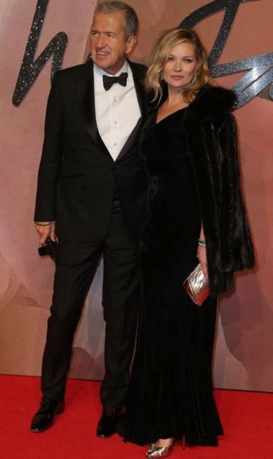 A modelo Kate Moss e o fotógrafo Mario Testino DANIEL LEAL-OLIVAS / AFP