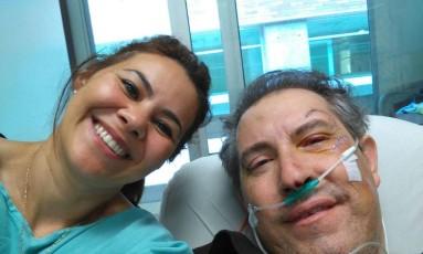 Rafael Henzel posta foto em hospital em Medellín ao lado da mulher Foto: Arquivo pessoal