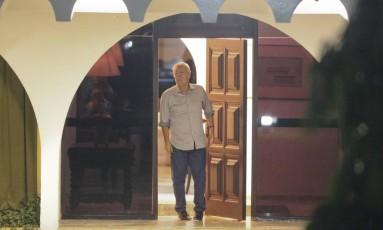 Renan Calheiros recebe senadores e aliados na residência oficial do presidente do Senado Foto: Andre Coelho / Agência O Globo
