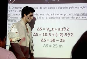 Professores inovam para tentar atrair a atenção dos estudantes para a matemática Foto: Marcus Castex / DIVULGAÇÃO