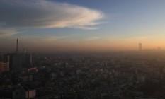 A cidade de Paris está pasando por seu nono pico de poluição do ano Foto: Christophe Ena / AP
