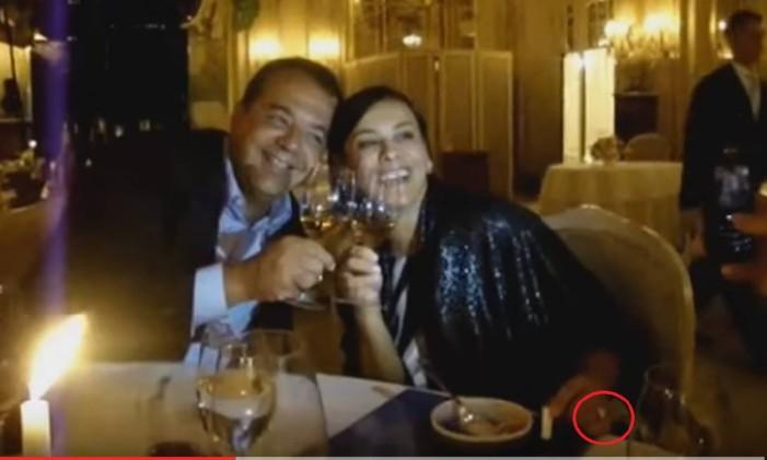 Sergio Cabral e Adriana Ancelmo em Paris, no aniversário da ex-primeira-drama. Adriana usa um anel no valor de R$ 800 mil , comprado por Cavendish a pedido de Cabral Foto: Reprodução/Blog do Garotinho
