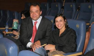 União. O ex-governador Sérgio Cabral e Adriana Ancelmo: casal é investigado pela Operação Lava-Jato Foto: Ricardo Leal 31/08/2008 / Agência O Globo