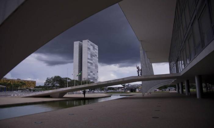 O Palácio do Planalto e o Congresso Nacional Foto: Jorge William / Agência O Globo