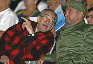 O escritor colombiano e prêmio Nobel de Literatura Gabriel Garcia Marquez e o presidente cubano Fidel Castro Foto: Adalberto Roque / AFP