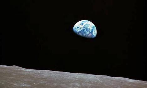 A Terra vista da Lua em fotografia tirada em dezembro de 1968 por astronautas da Apollo 8 Foto: HO / AFP